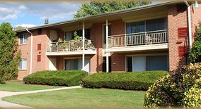 Similar Apartment at 2098 Butler Pike
