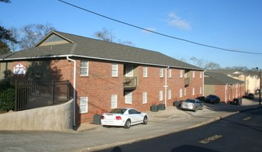 Similar Apartment at Oak Manor