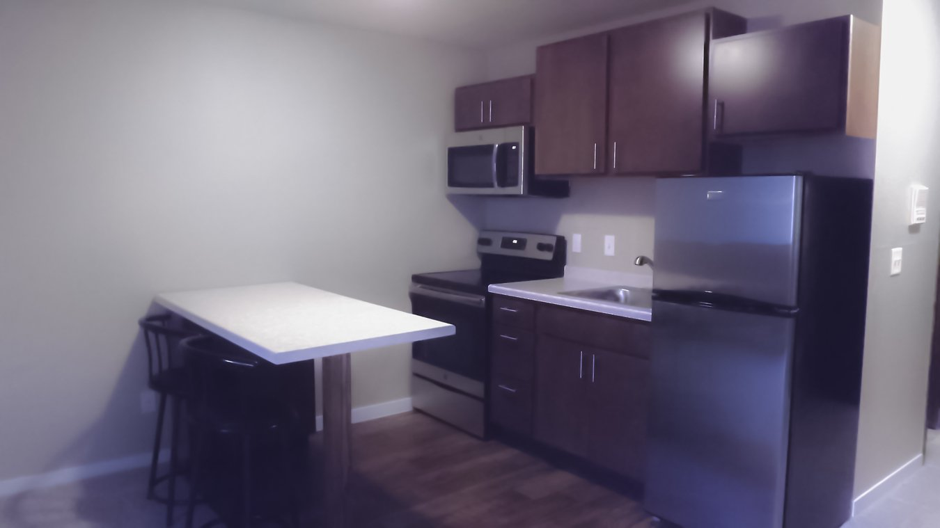Studio 1 Bathroom Apartment for rent at Courtyard Apartments in Madison, WI
