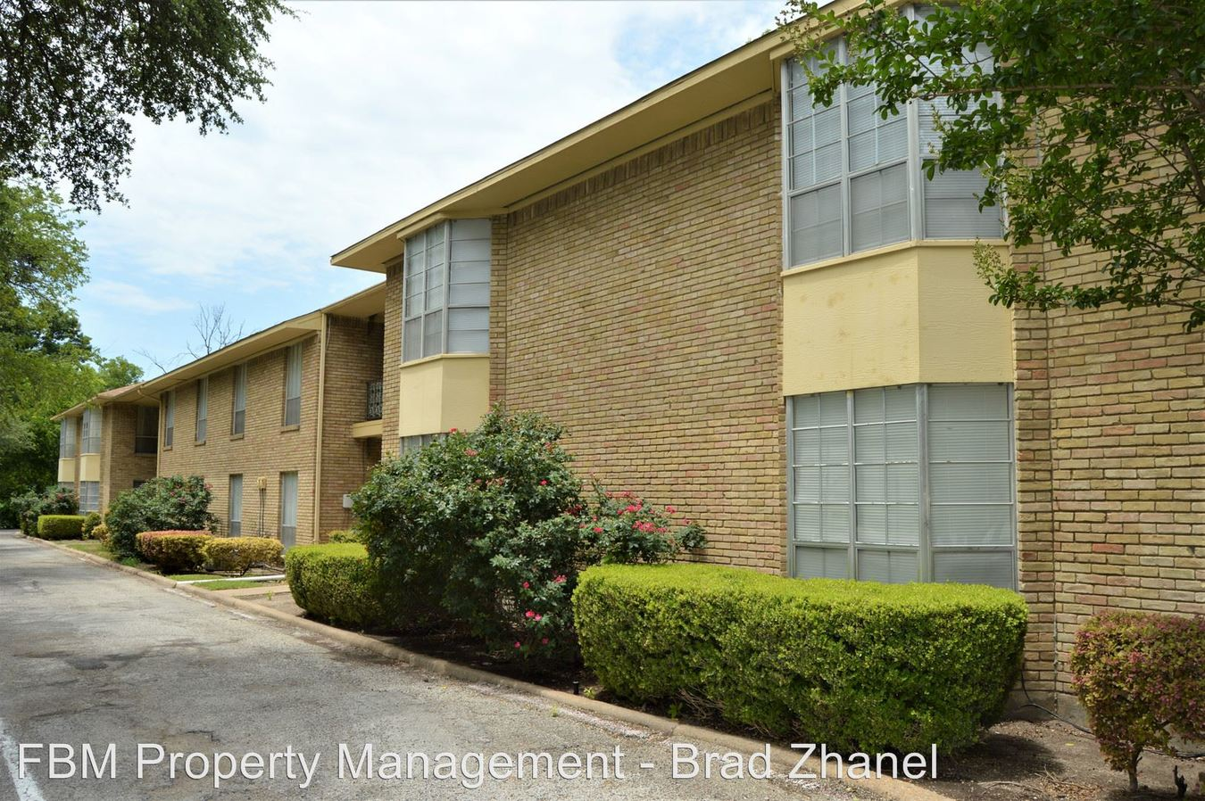 3 Bedrooms 2 Bathrooms Apartment for rent at 510 W Marvin Ave in Waxahachie, TX