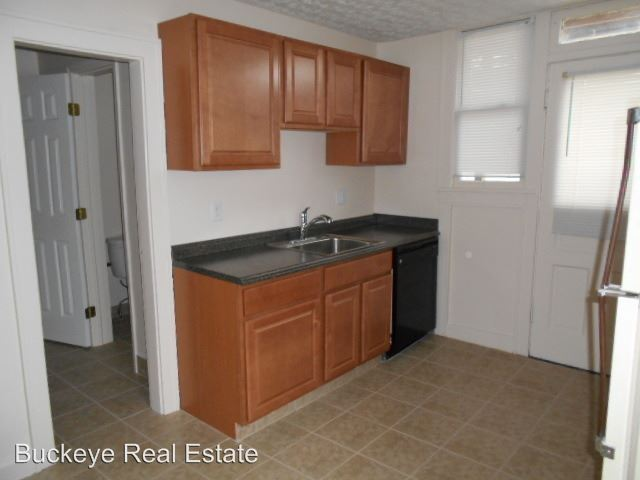 1 Bedroom 1 Bathroom Apartment for rent at 160-166 W. Northwood Ave in Columbus, OH