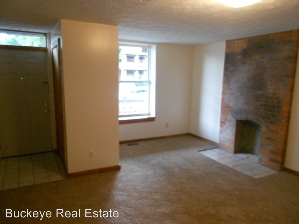 6 Bedrooms 2 Bathrooms Apartment for rent at 59 & 61 Chittenden Ave in Columbus, OH