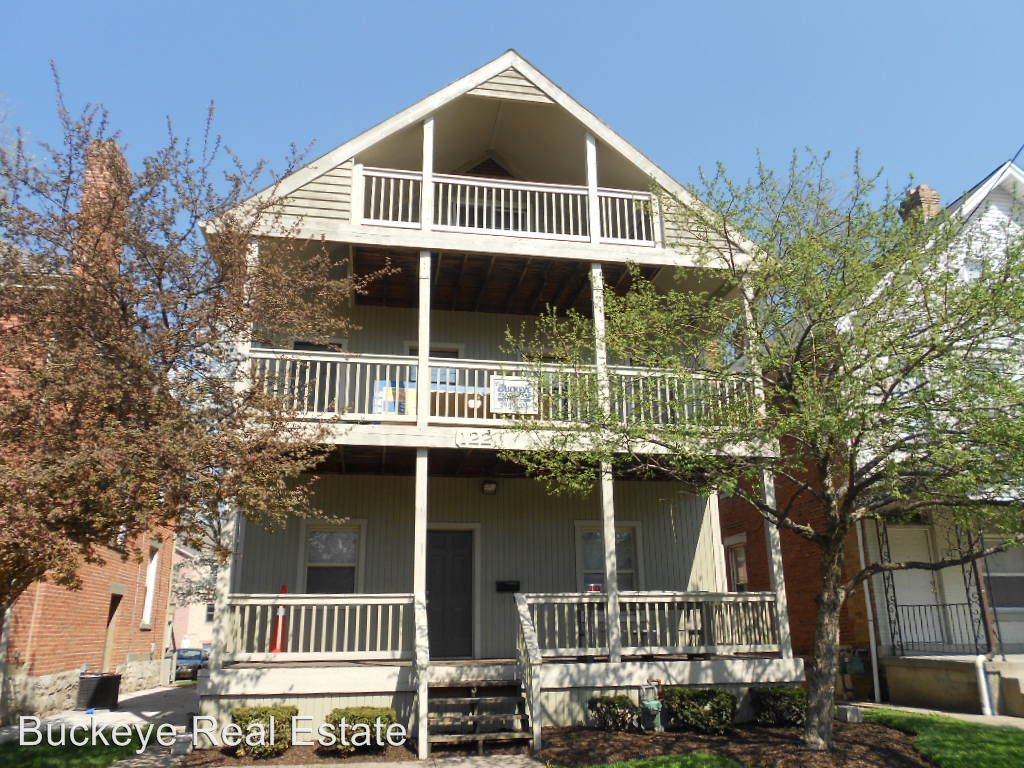 Similar Apartment at 122 E. 11th Ave