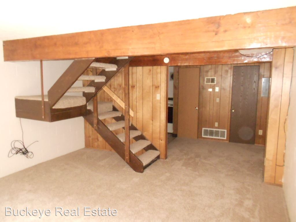 3 Bedrooms 2 Bathrooms Apartment for rent at 63-69 W. 10th Ave in Columbus, OH