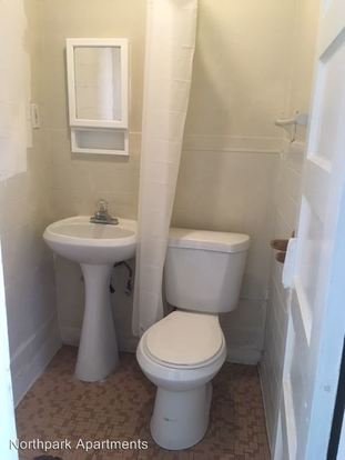 Studio 1 Bathroom Apartment for rent at 926 N 104th St in Seattle, WA