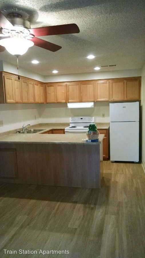 2 Bedrooms 1 Bathroom Apartment for rent at 390 Rio Lindo Avenue in Chico, CA