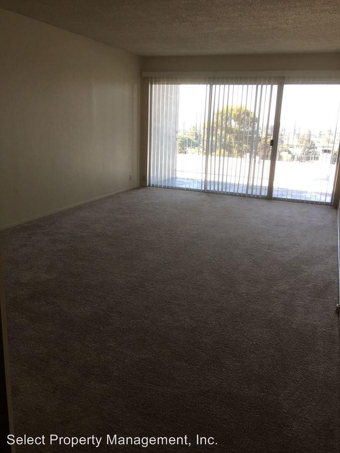 2 Bedrooms 1 Bathroom Apartment for rent at 944 Fletcher Ln in Hayward, CA