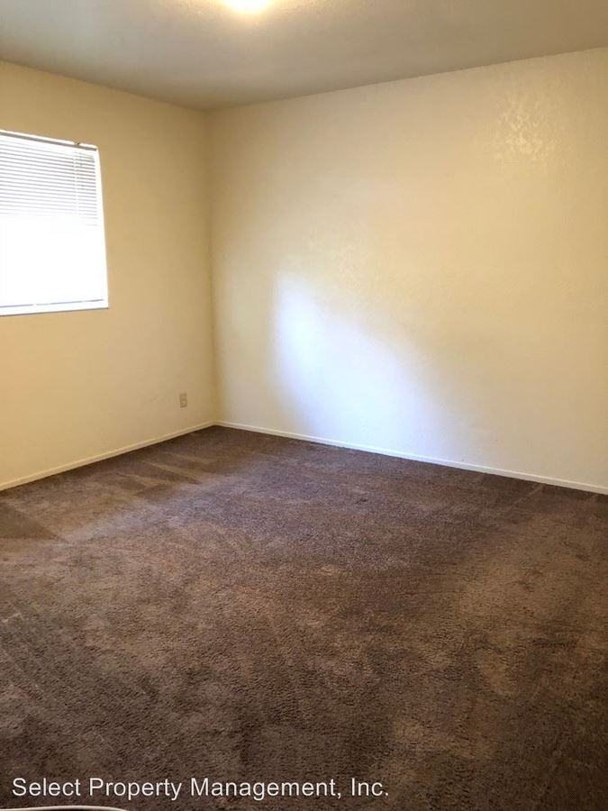 2 Bedrooms 1 Bathroom Apartment for rent at 423 Bartlett Ave in Hayward, CA