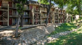 Similar Apartment at 1824 S Interstate 35