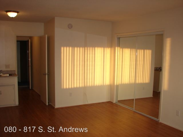 Studio 1 Bathroom Apartment for rent at 817 S. St. Andrews Pl. in Los Angeles, CA