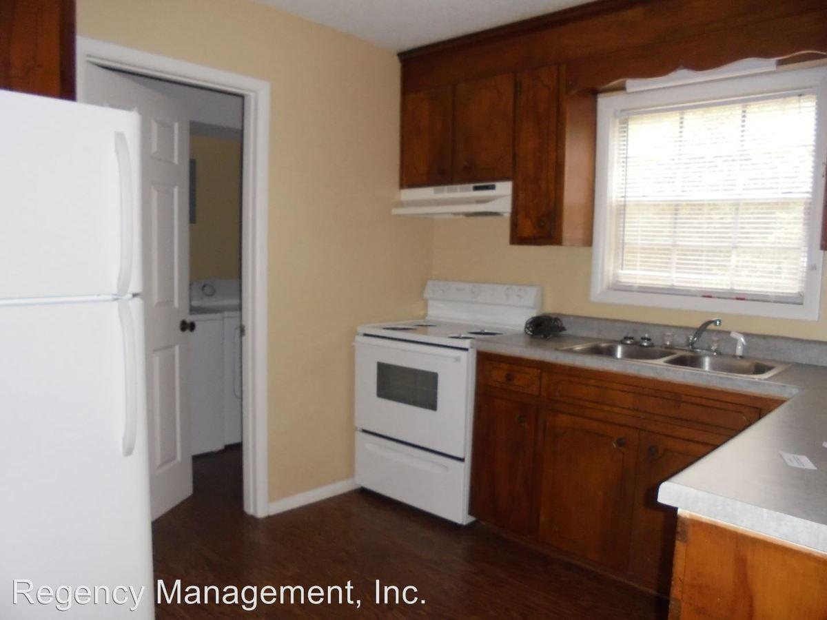 2 Bedrooms 1 Bathroom Apartment for rent at 102 Weeks Drive in Enterprise, AL