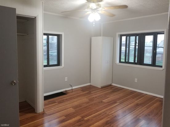 3 Bedrooms 1 Bathroom House for rent at 1400 Wolfe Ave in Braddock, PA