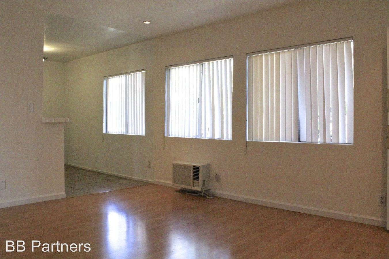 2 Bedrooms 1 Bathroom Apartment for rent at 8386 Blackburn Ave. in Los Angeles, CA