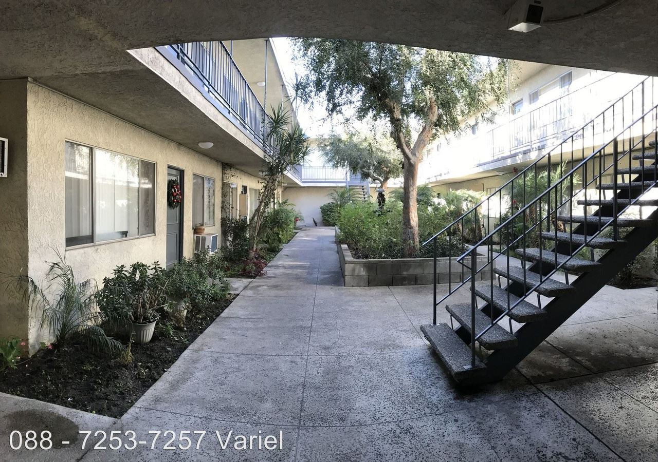 2 Bedrooms 2 Bathrooms Apartment for rent at 7253-7257 Variel Ave. in Canoga Park, CA