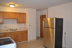 2 Bedrooms 1 Bathroom Apartment for rent at 192 Clinton St in Columbus, OH