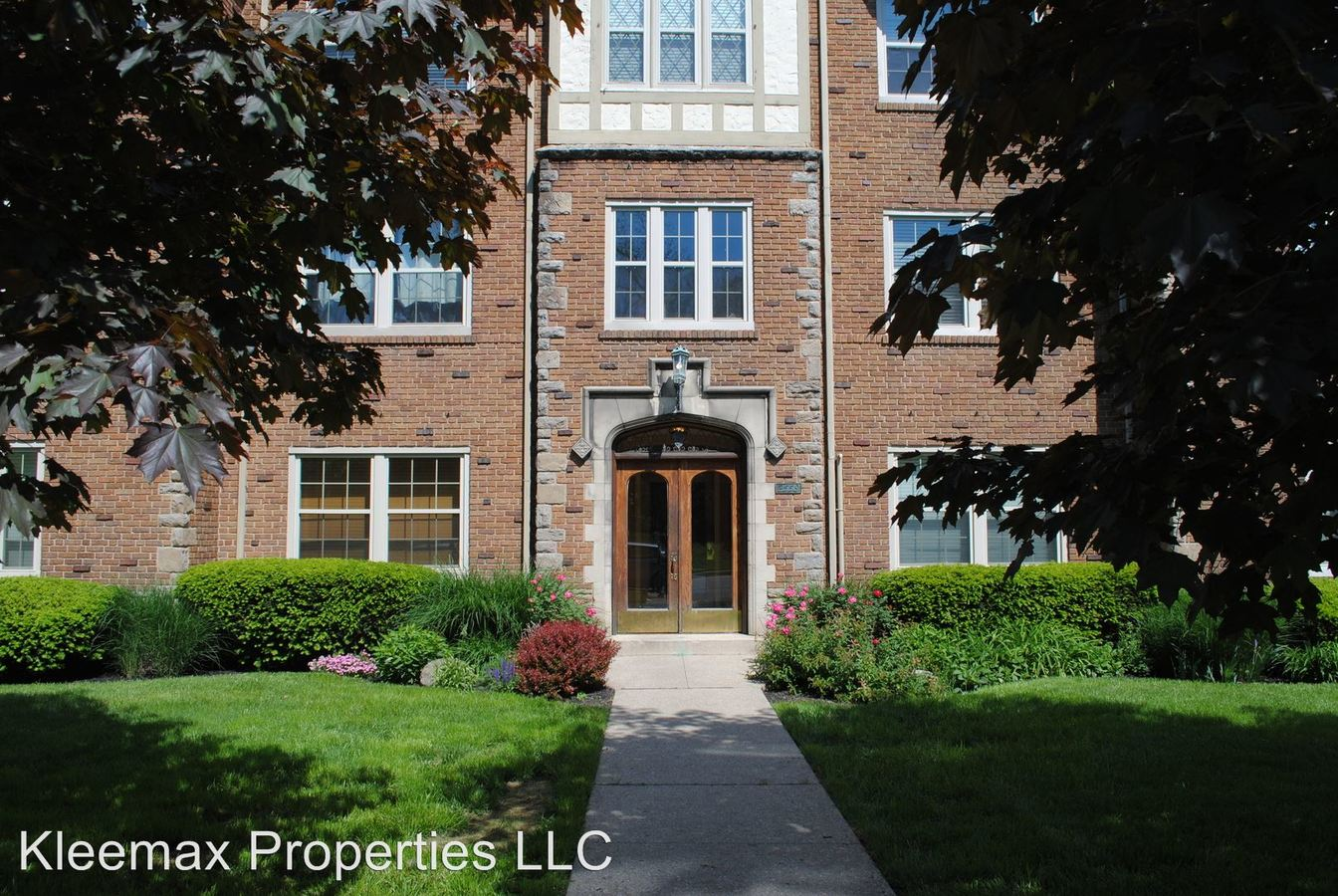 2 Bedrooms 1 Bathroom Apartment for rent at 2558 Madison Rd in Cincinnati, OH