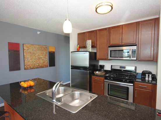 2 Bedrooms 2 Bathrooms Apartment for rent at 555 West Kinzie Street in Chicago, IL