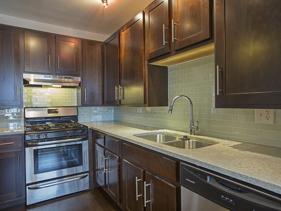 1 Bedroom 1 Bathroom Apartment for rent at 2300 South Michigan Avenue in Chicago, IL