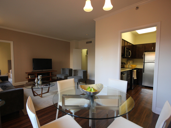 1 Bedroom 1 Bathroom Apartment for rent at 200 East Chestnut Street in Chicago, IL