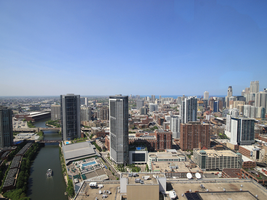 1 Bedroom 1 Bathroom Apartment for rent at Null West Wolf Point Plaza in Chicago, IL