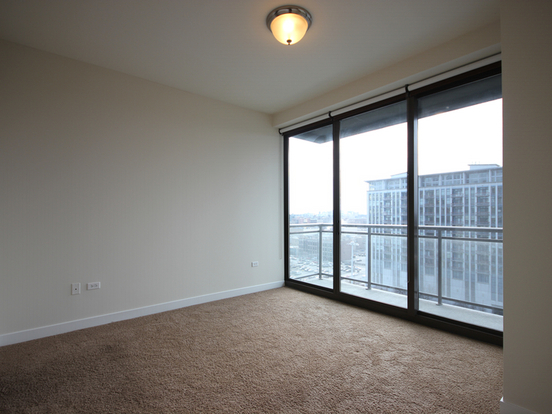 1 Bedroom 2 Bathrooms Apartment for rent at 670 West Wayman Street in Chicago, IL