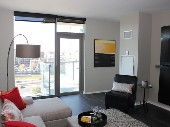 1 Bedroom 1 Bathroom Apartment for rent at 123 North Desplaines Street in Chicago, IL