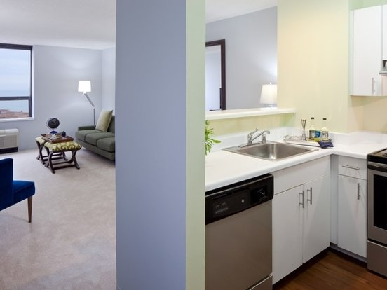 1 Bedroom 1 Bathroom Apartment for rent at Lakeshore Plaza in Chicago, IL