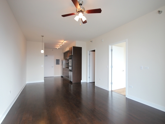 1 Bedroom 1 Bathroom Apartment for rent at 670 West Wayman Street in Chicago, IL