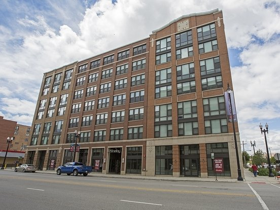 2 Bedrooms 2 Bathrooms Apartment for rent at The Shelby in Chicago, IL