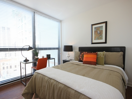 2 Bedrooms 2 Bathrooms Apartment for rent at 707 North Wells Street in Chicago, IL
