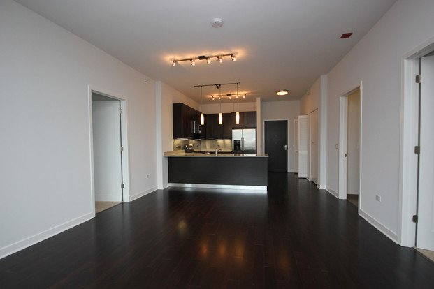 3 Bedrooms 2 Bathrooms Apartment for rent at Parc Huron in Chicago, IL
