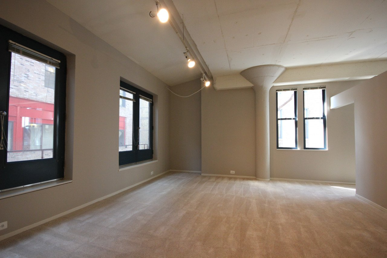 1 Bedroom 1 Bathroom Apartment for rent at 1350 N Wells St in Chicago, IL