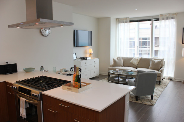 Studio 1 Bathroom Apartment for rent at 500 N Lake Shore Dr in Chicago, IL