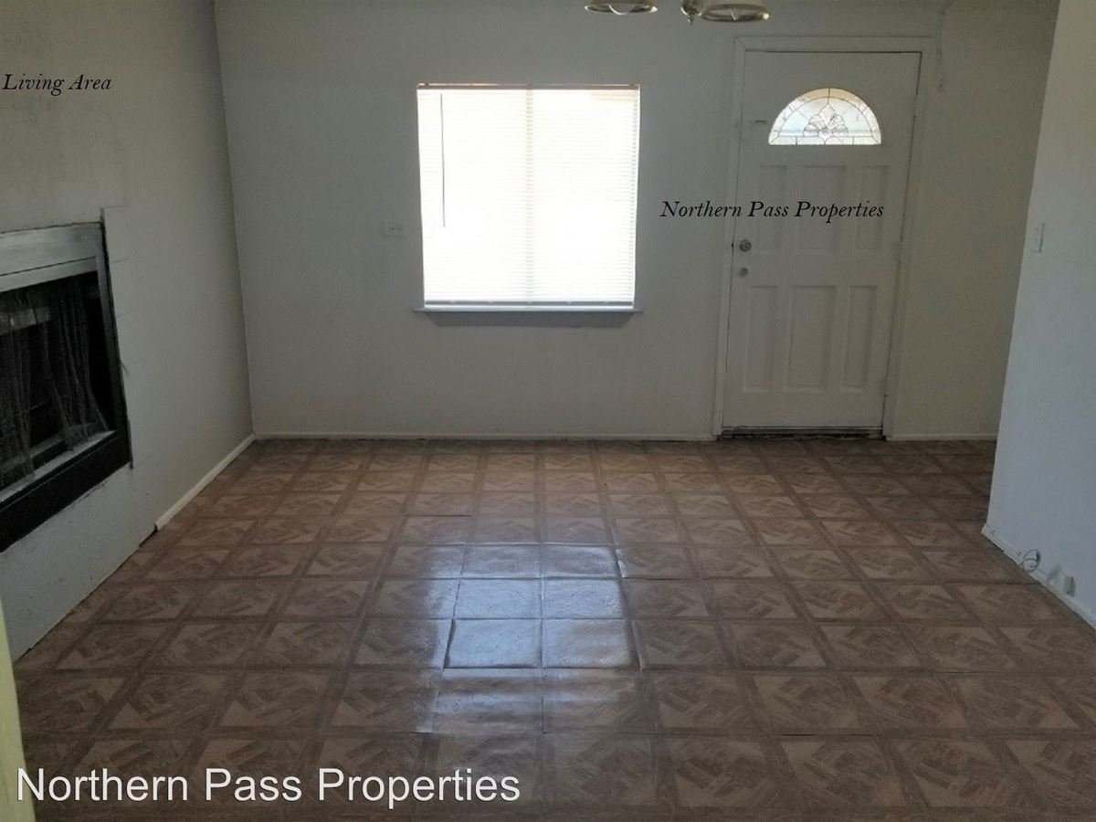 3 Bedrooms 1 Bathroom Apartment for rent at 7143 N Loop Dr in El Paso, TX