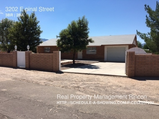3 Bedrooms 2 Bathrooms House for rent at 3202 E Pinal Street in Tucson, AZ