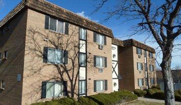 Similar Apartment at 6601 S Vine St