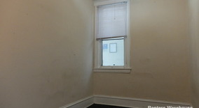 Similar Apartment at 626 Adams St Ne