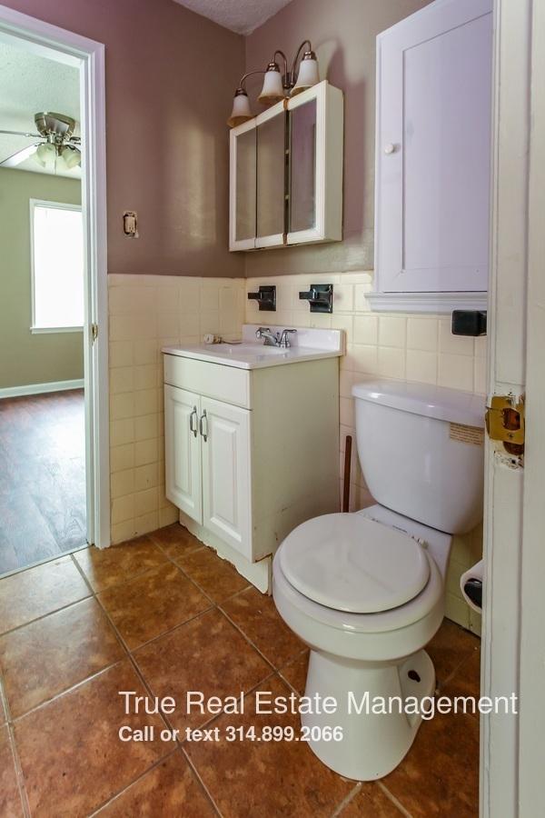 Similar Apartment at 7432 Chandler Avenue