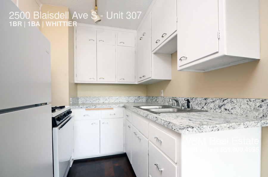 Similar Apartment at 2500 Blaisdell Ave S