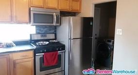 Similar Apartment at 3321 Newport St