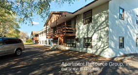 2172 Green Ave #1