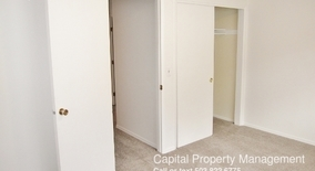 Similar Apartment at 2222 Ne Halsey Street