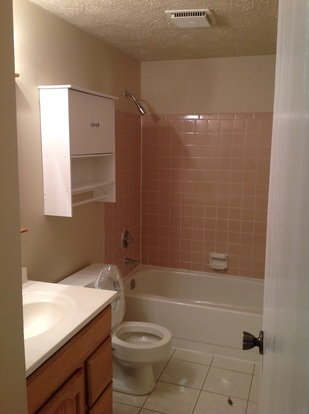 3 Bedrooms 1 Bathroom House for rent at 5728 Hacienda Court in Indianapolis, IN