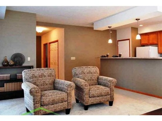 2 Bedrooms 2 Bathrooms House for rent at Settlers Ridge Pkwy in Woodbury, MN