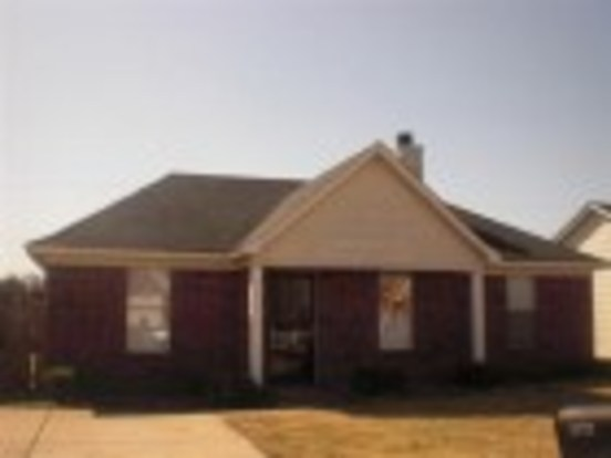 3 Bedrooms 2 Bathrooms House for rent at 4539 Longtree in Memphis, TN