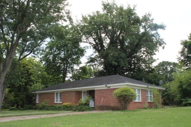 3 Bedrooms 1 Bathroom House for rent at 905 Ledell Cv in Memphis, TN
