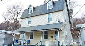 Similar Apartment at 320 W Diamond Street