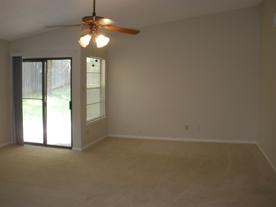 3 Bedrooms 2 Bathrooms House for rent at 7206 Smokey Hill Rd in Austin, TX