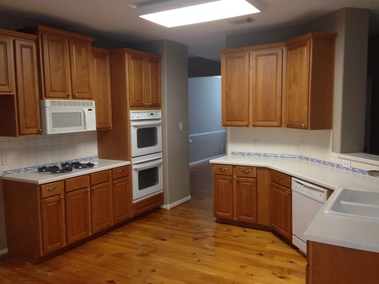 4 Bedrooms 2 Bathrooms House for rent at 13314 Glacier Falls Ct in Austin, TX