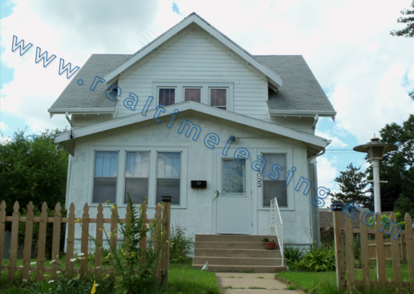 4 Bedrooms 2 Bathrooms House for rent at 4022 Cedar Avenue So in Minneapolis, MN